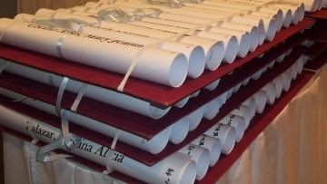 Listado de diplomas para retirar 2015-16