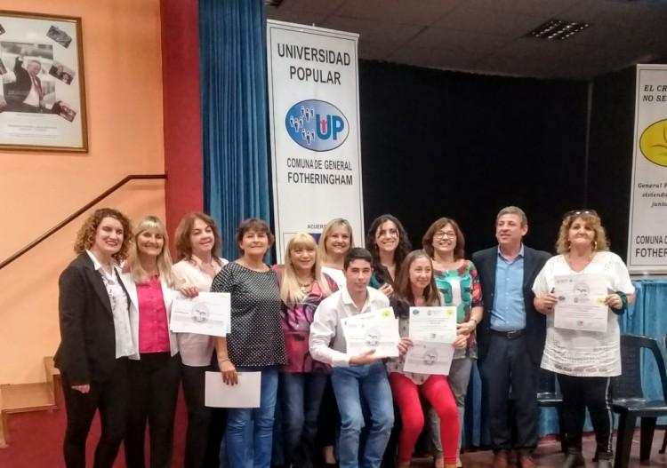 Se entregaron los certificados de la Diplomatura en Gestión Cultural de Gral. Fotheringham, Córdoba
