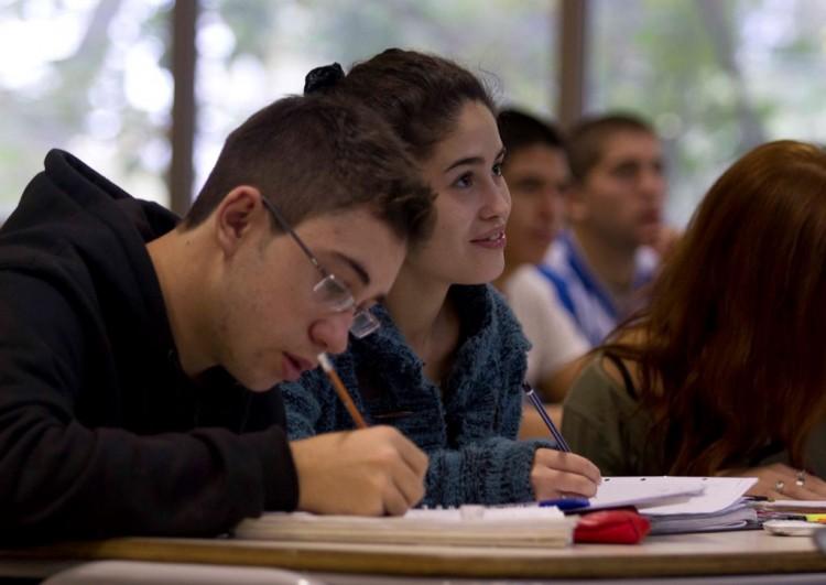 Estudiantes de la Facultad podrán realizar curso de inglés gratuito