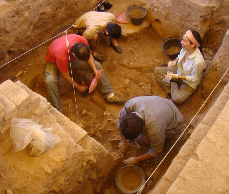 """Curso """"Arqueología histórica. Arqueología total (AH=AT)"""""""