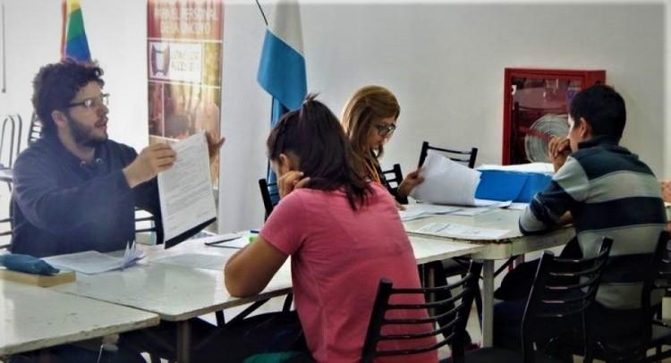 Convocatoria de monitores para Becas Estudiantes 2020