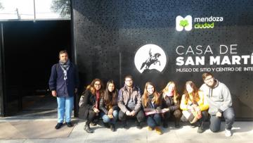 Estudiantes de turismo son guías en la Casa de San Martín