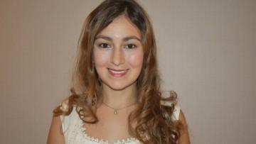 Clarisa Suden fue distinguida como Mejor Promedio de la Facultad