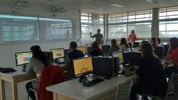 Capacitaron a docentes de FFyL en la Plataforma Genial.ly