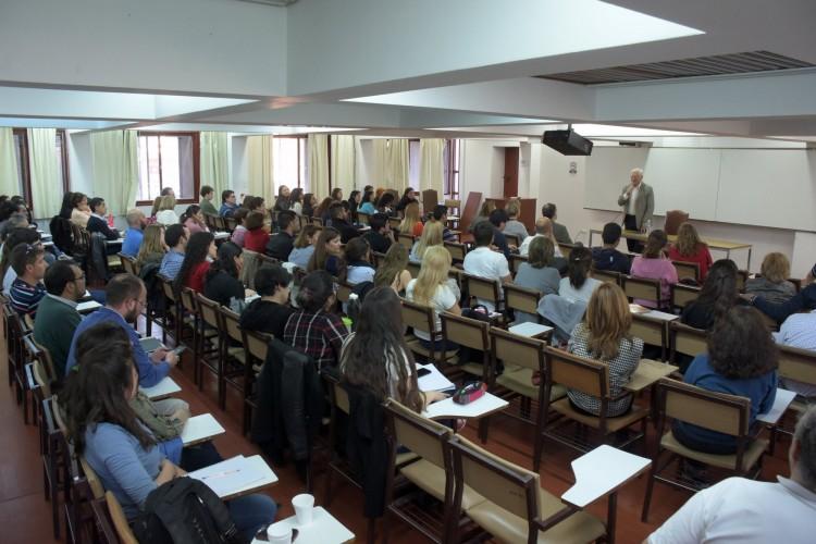 Luis Alberto Romero analizó la democracia en Argentina en la Facultad