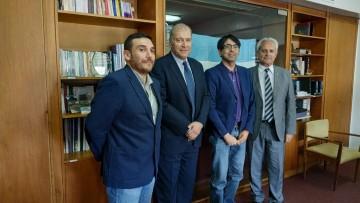 Docentes-investigadores de la Universitad Autónoma de Chile visitaron la FFyL