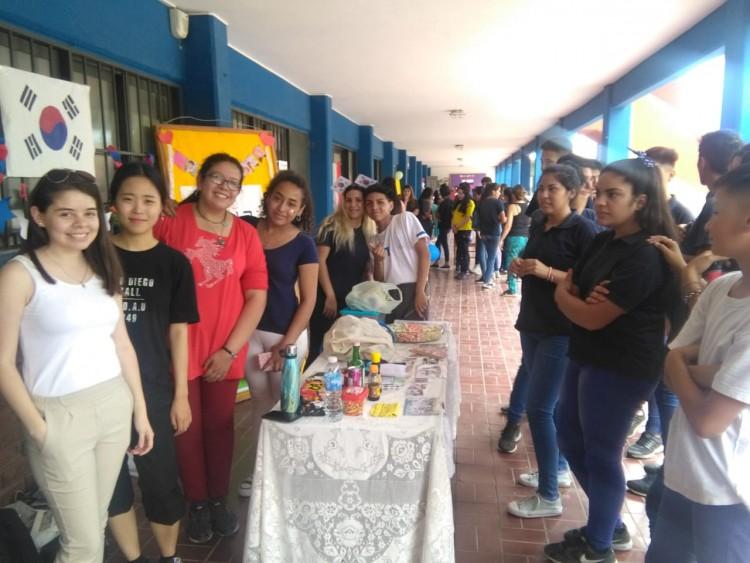 """""""La interculturalidad entre la enseñanza media y la Universidad"""""""