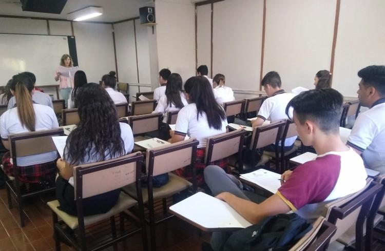 Estudiantes del colegio Santo Tomás Aquino
