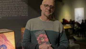 José Niemetz presentó su novela en un ciclo literario de la UNCUYO