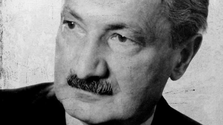 """""""Heidegger y la Ciencia: Una visión Crítica"""""""