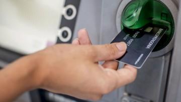 Cajas de Ahorro y tarjeta de débito gratis para estudiantes de la FFyL