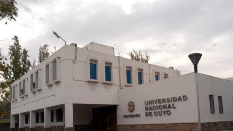 Funcionarios de ANSES recibirán trámites del personal de la UNCuyo. Jueves 26 de febrero