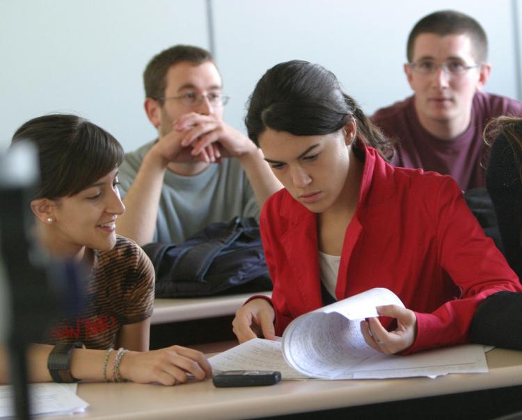 Realizarán curso sobre tutoría universitaria en la Facultad