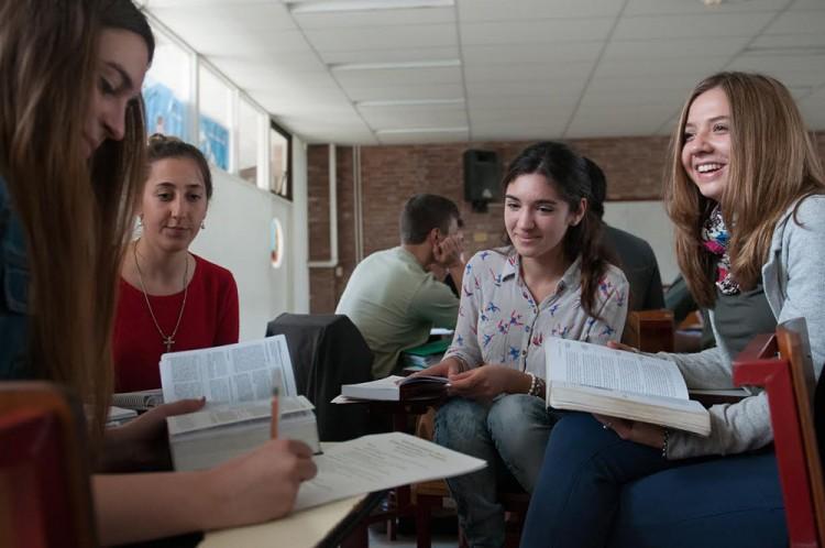 Resultados exámenes nivelatorios para cursos de idiomas 2016