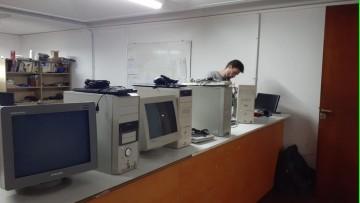 Se realizó la primera entrega de equipos informáticos a los estudiantes