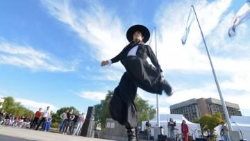 La UNCUYO festejó los primeros 200 años de la patria