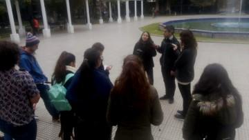 Futuros técnicos universitarios en francés filman su última experiencia en las plazas de Mendoza